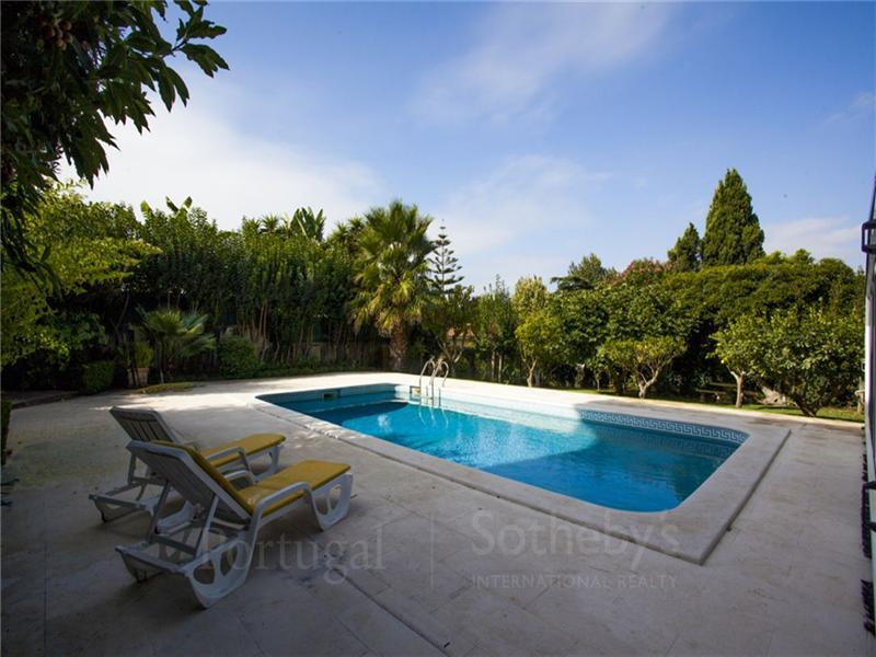 Casa Unifamiliar por un Venta en House, 7 bedrooms, for Sale Lisboa, Lisboa, 1400-019 Portugal