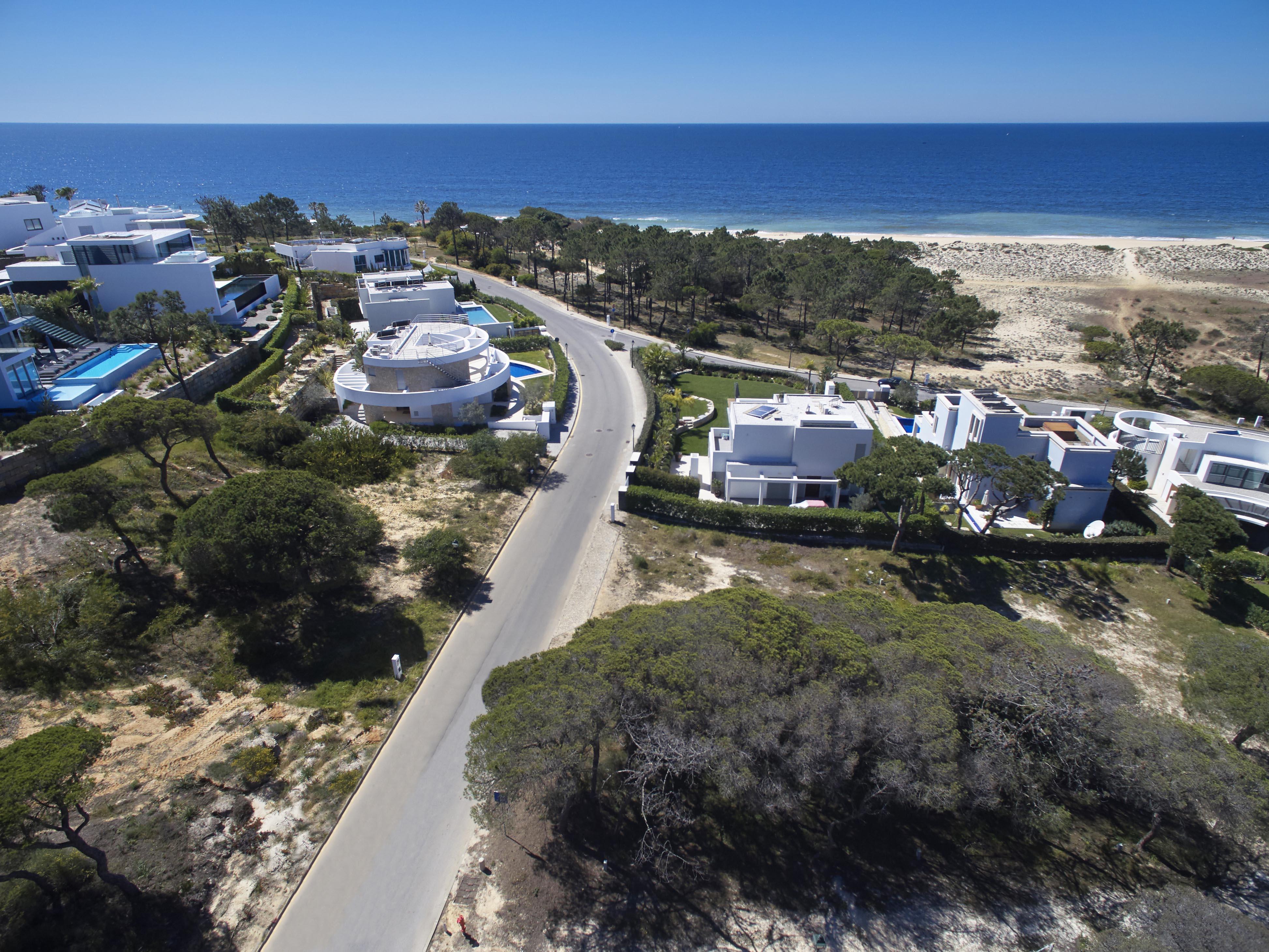 Land für Verkauf beim Stand for Sale Loule, Algarve, Portugal