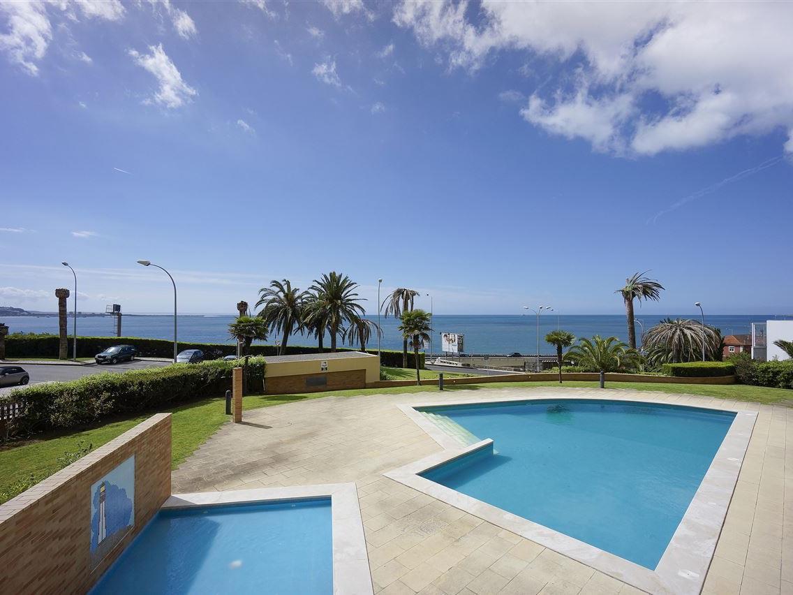 Wohnung für Verkauf beim Flat, 3 bedrooms, for Sale Oeiras, Lissabon Portugal