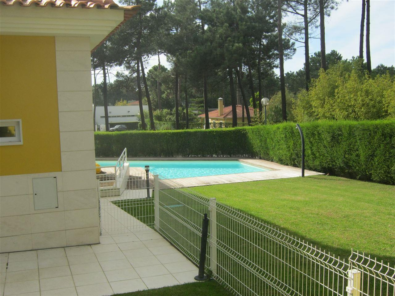 Single Family Home for Sale at House, 4 bedrooms, for Sale Other Portugal, Other Areas In Portugal Portugal