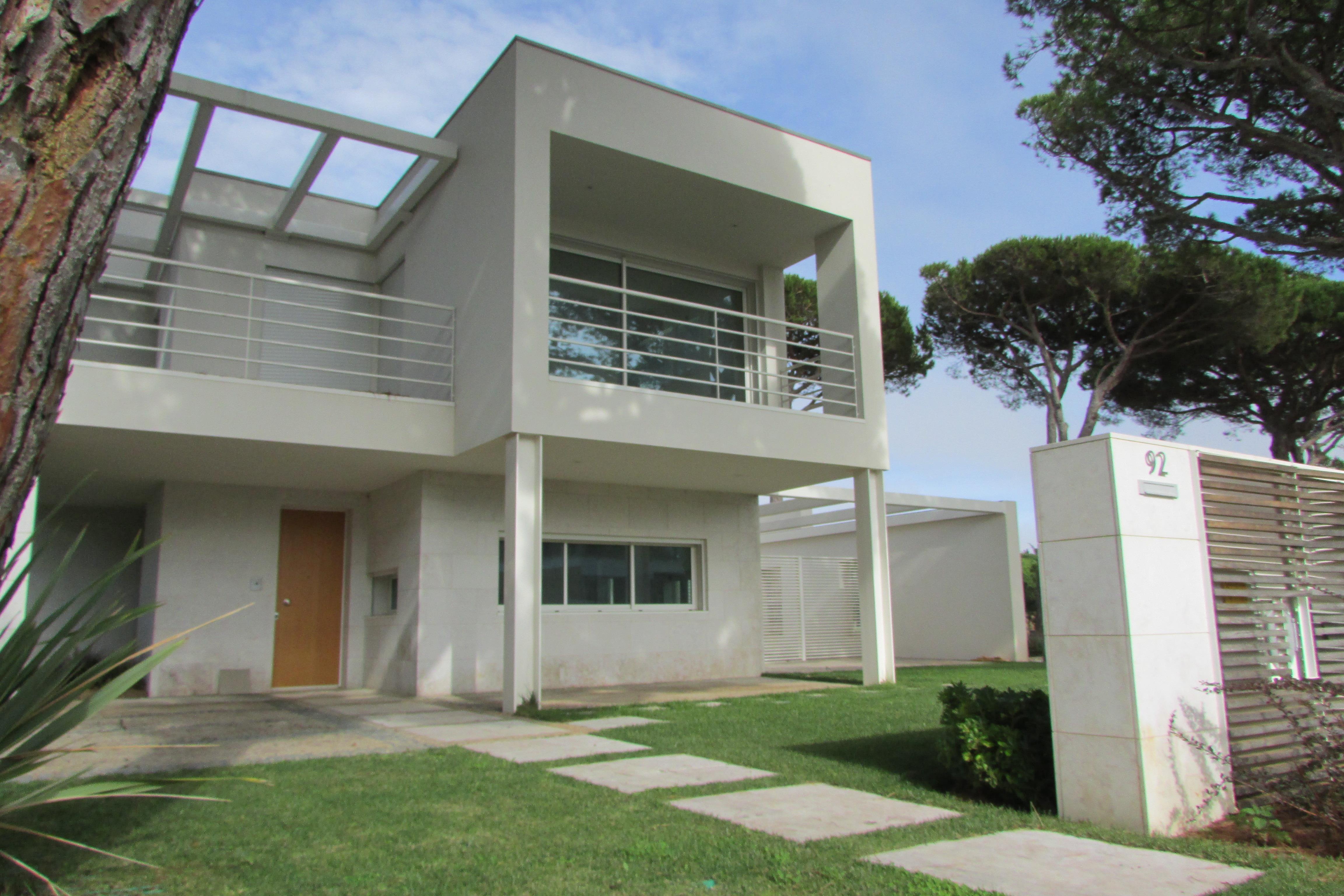 Maison unifamiliale pour l Vente à House, 2 bedrooms, for Sale Cascais, Lisbonne 2750- Portugal