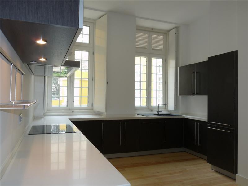 Appartement pour l Vente à Flat, 4 bedrooms, for Sale Lisboa, Lisbonne Portugal