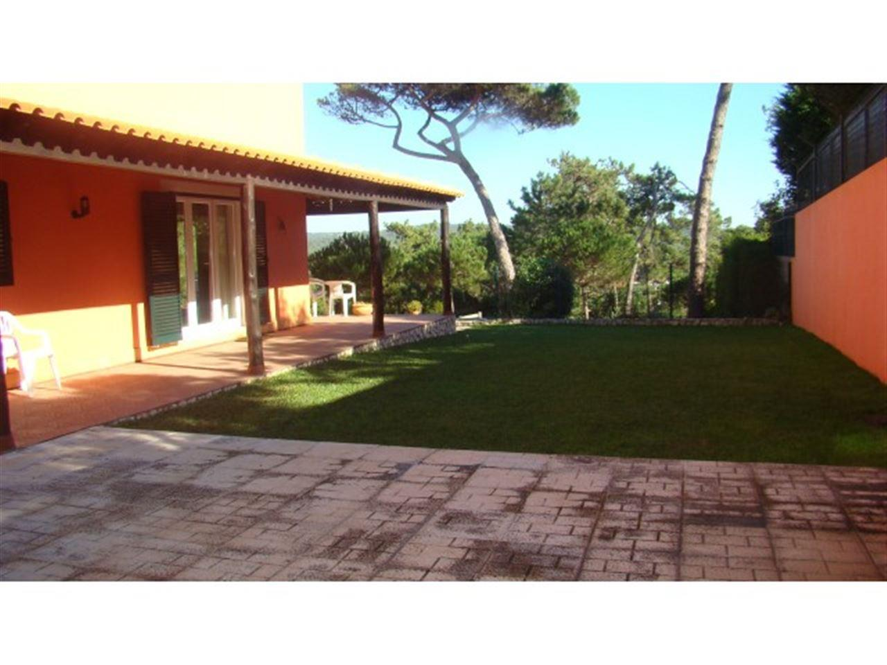 Single Family Home for Sale at House, 4 bedrooms, for Sale Sintra, Lisboa, 2705-332 Portugal