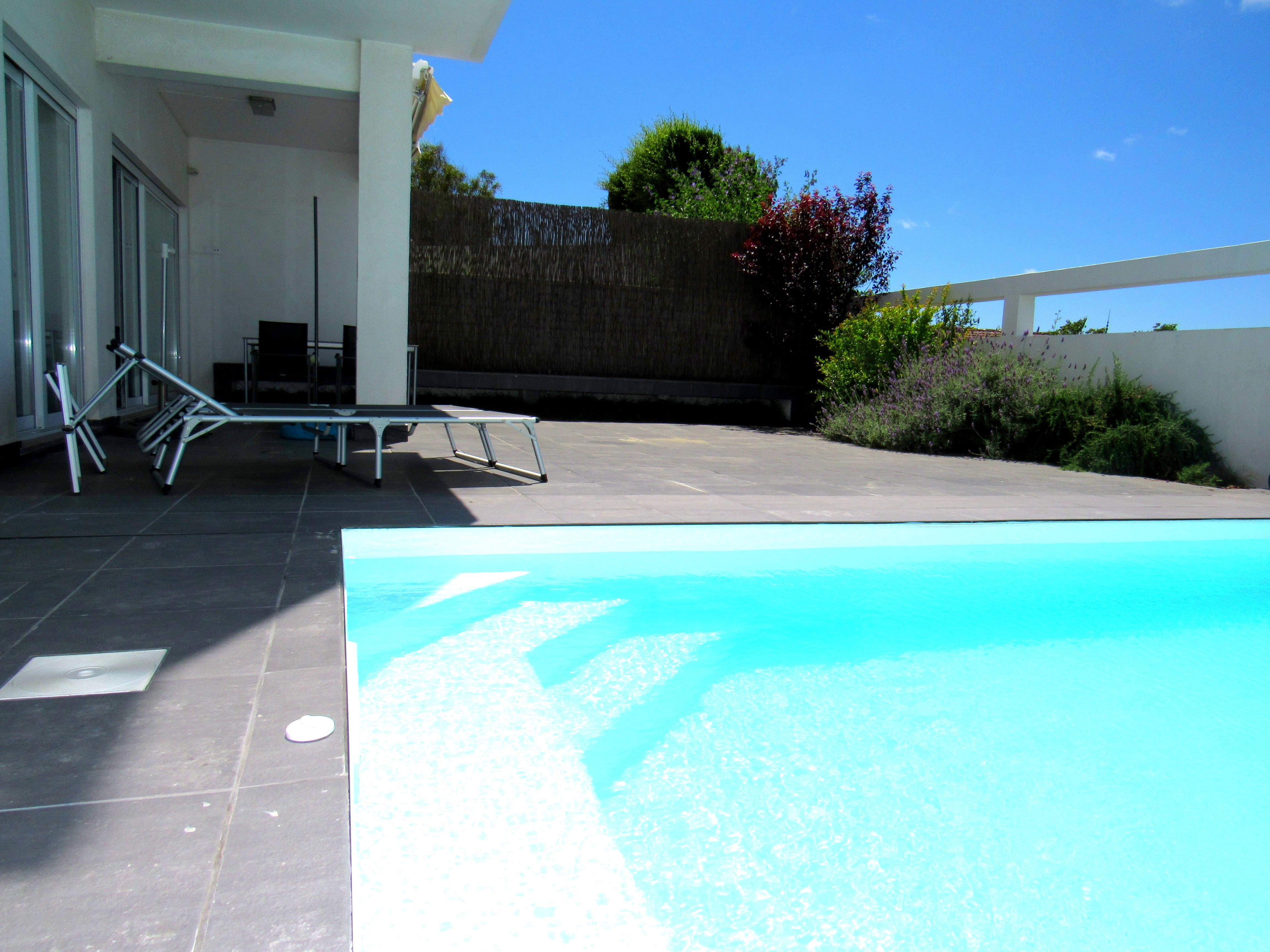 Einfamilienhaus für Verkauf beim Semi-detached house, 3 bedrooms, for Sale Oeiras, Lissabon, Portugal