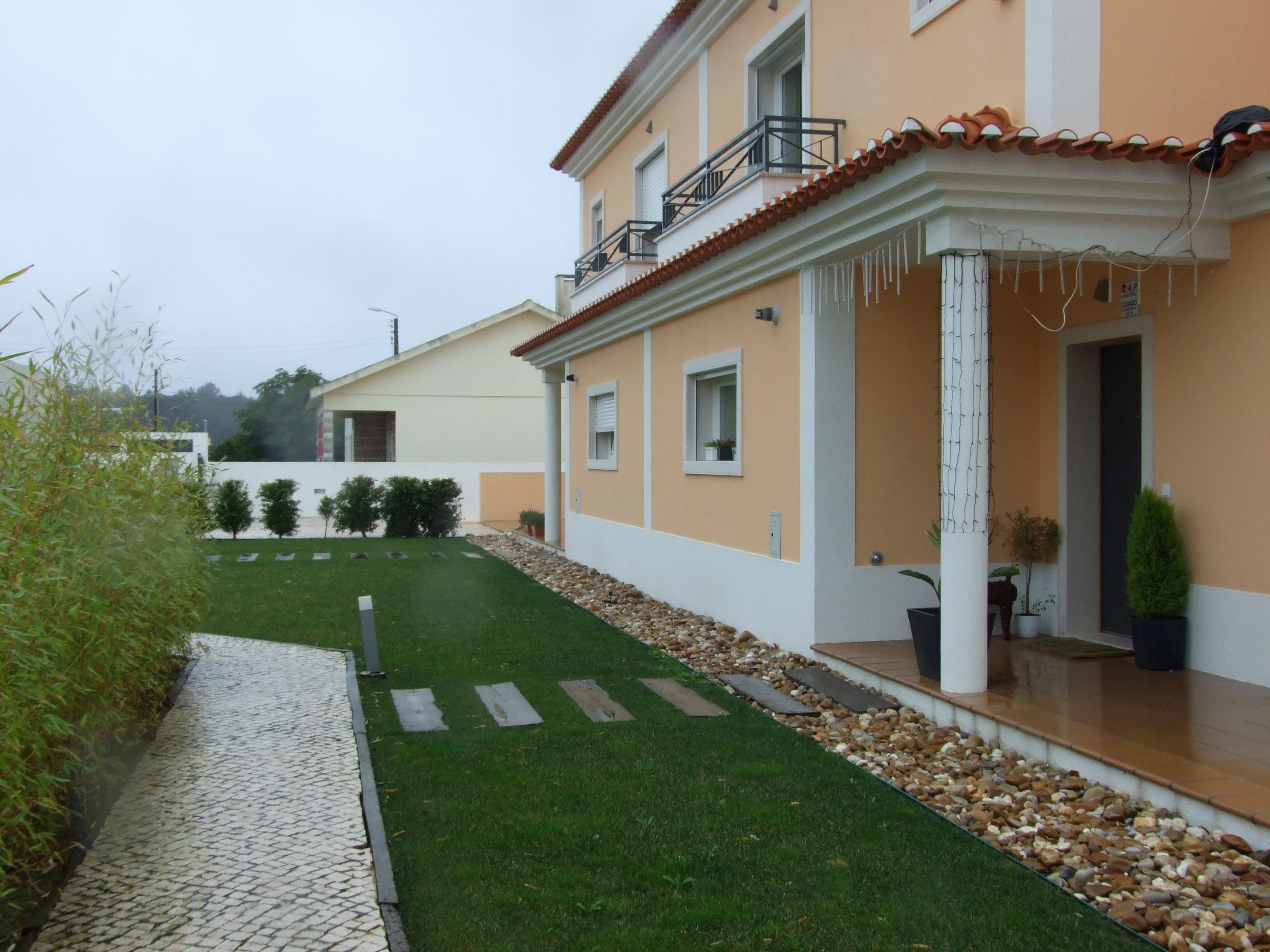 Casa para uma família para Venda às House, 4 bedrooms, for Sale Sintra, Lisboa, 2710-354 Portugal