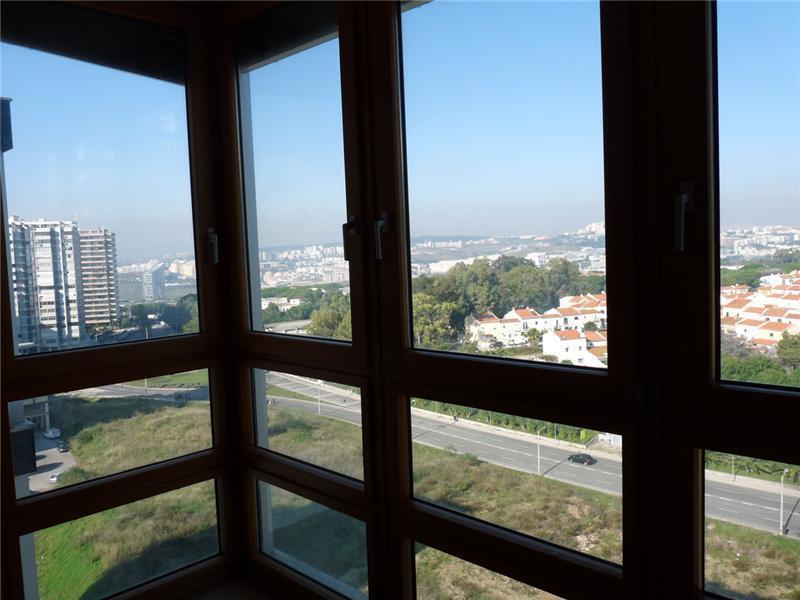 Appartement pour l Vente à Flat, 6 bedrooms, for Sale Restelo, Lisboa, Lisbonne Portugal