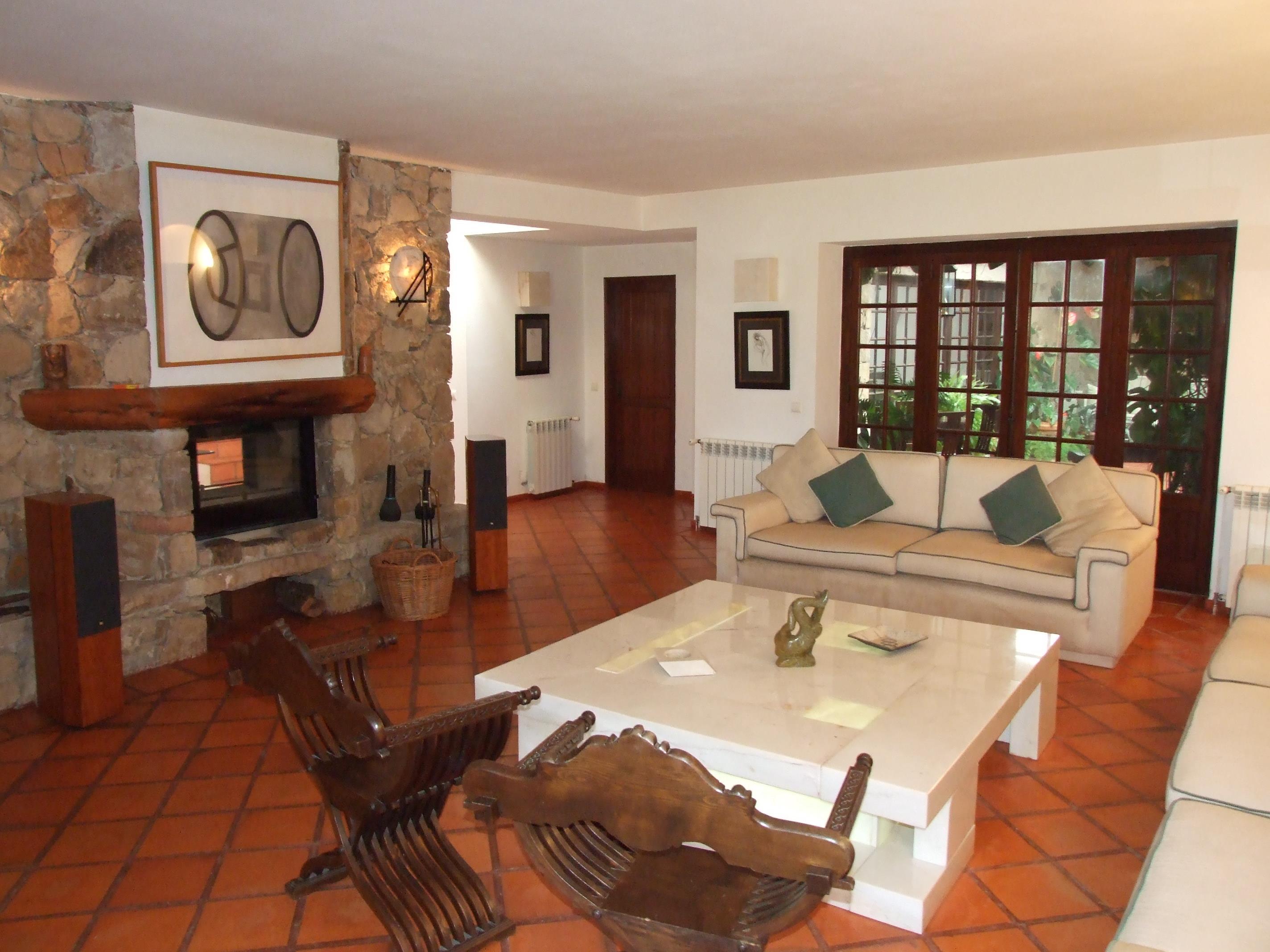 Einfamilienhaus für Verkauf beim House, 4 bedrooms, for Sale Sintra, Lissabon, 2705-001 Portugal