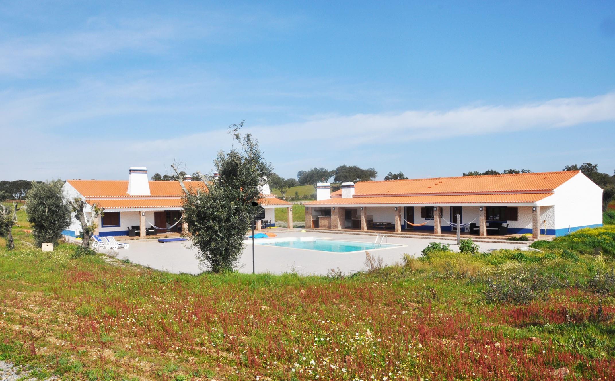 Fazenda / Rancho / Plantação para Venda às Small Farm, 3 bedrooms, for Sale Ourique, Beja, 7670-201 Portugal