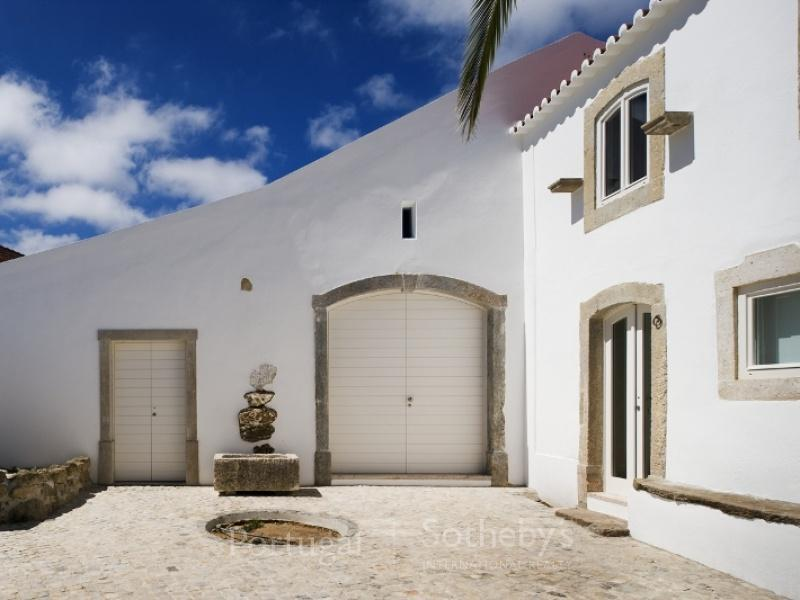 Single Family Home for Sale at House, 4 bedrooms, for Sale Torres Vedras, Lisboa, 2565-317 Portugal