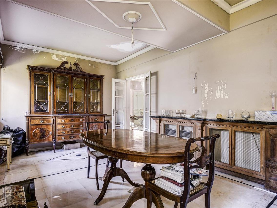 Nhà ở một gia đình vì Bán tại House, 5 bedrooms, for Sale Restelo, Lisboa, Lisboa Bồ Đào Nha