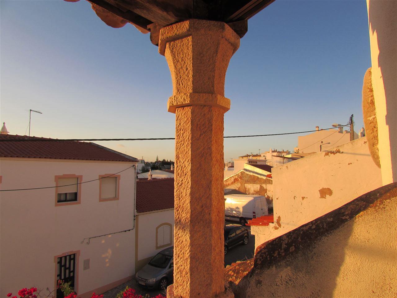 Maison unifamiliale pour l Vente à Country house, 3 bedrooms, for Sale Silves, Algarve Portugal