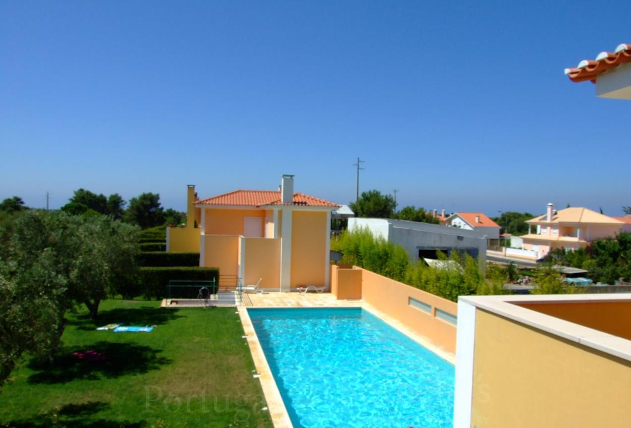 Vivienda unifamiliar por un Venta en House, 5 bedrooms, for Sale Cascais, Lisboa, 2755-234 Portugal