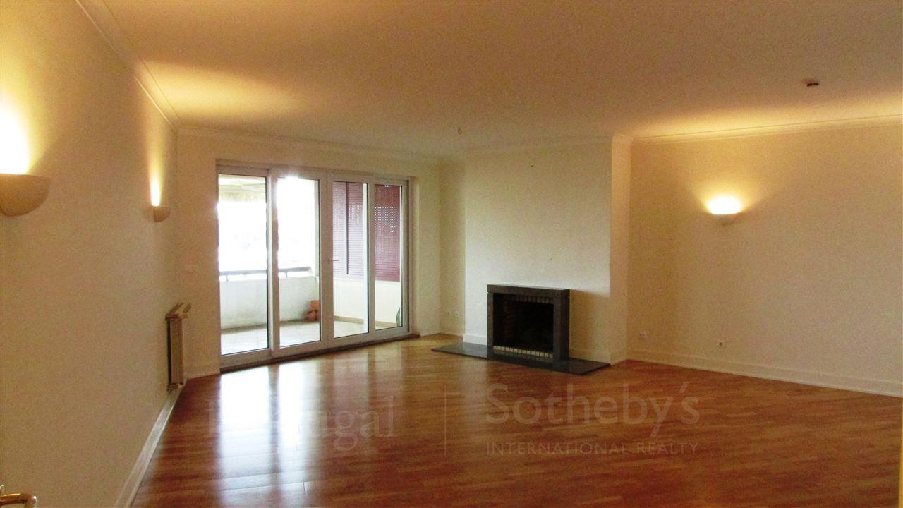 Apartment for Sale at Flat, 3 bedrooms, for Sale Sintra, Lisboa, 2605-199 Portugal