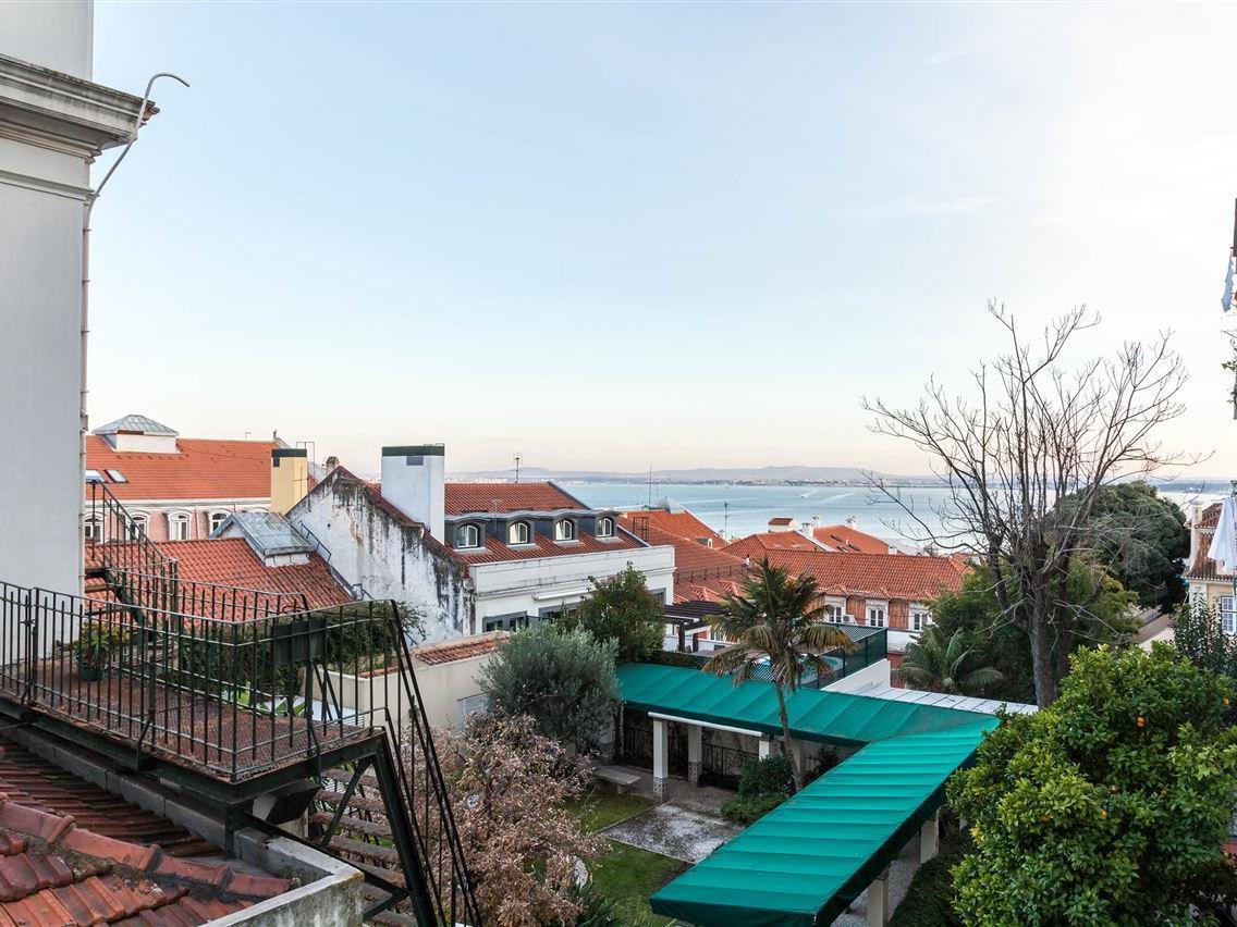 Căn hộ vì Bán tại Flat, 4 bedrooms, for Sale Chiado, Lisboa, Lisboa Bồ Đào Nha