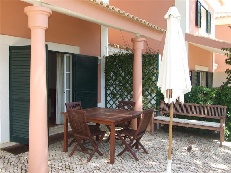 Частный односемейный дом для того Продажа на House, 3 bedrooms, for Sale Bicuda, Cascais, Лиссабон Португалия