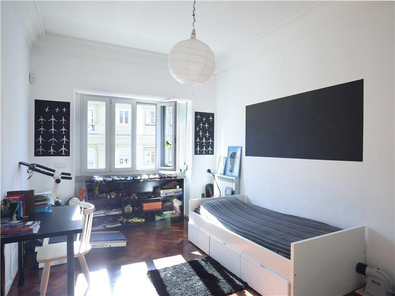 Apartment for Sale at Flat, 5 bedrooms, for Sale Lisboa, Lisboa Portugal
