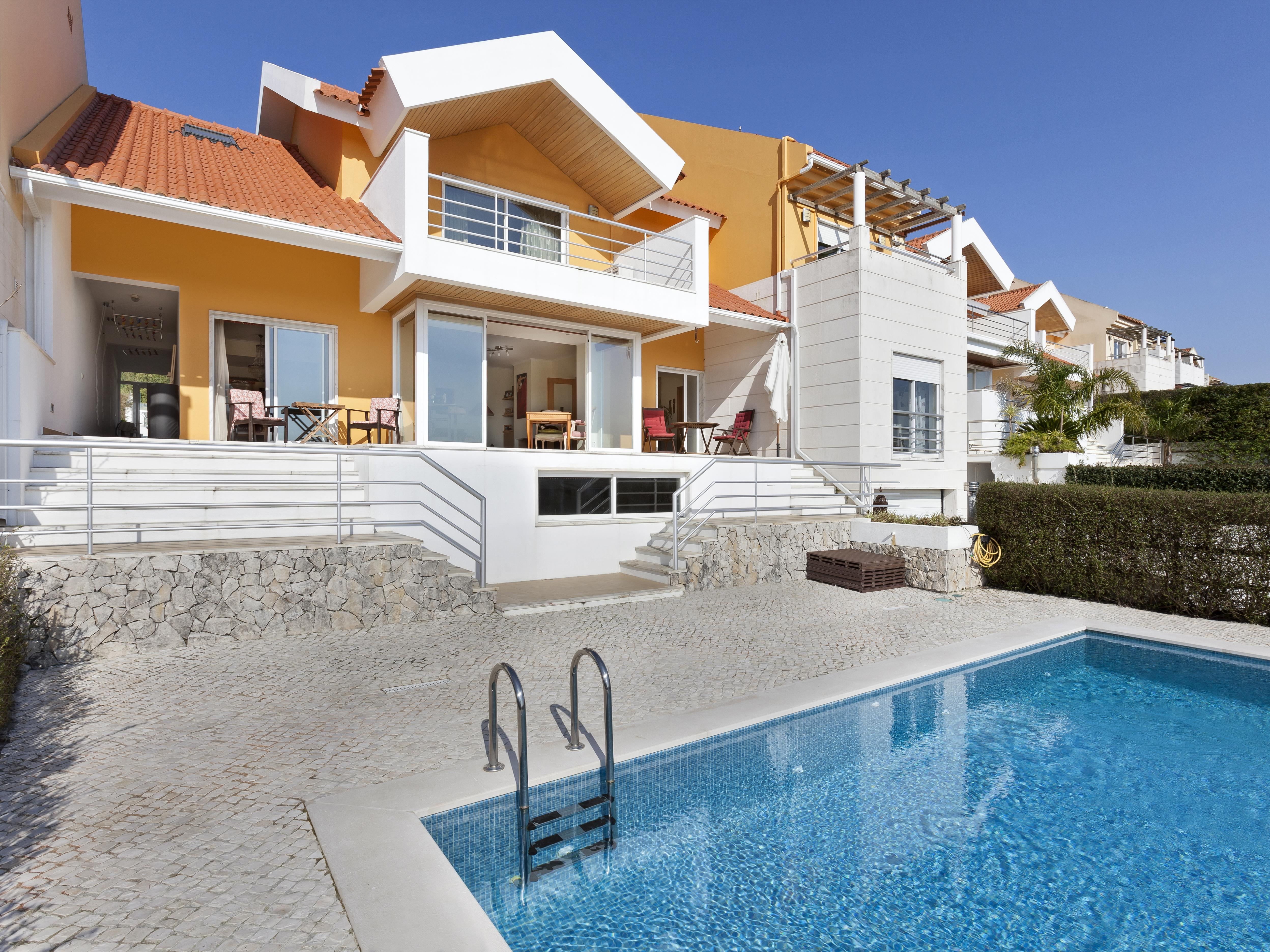 Einfamilienhaus für Verkauf beim House, 5 bedrooms, for Sale Sintra, Lissabon 2605-299 Portugal