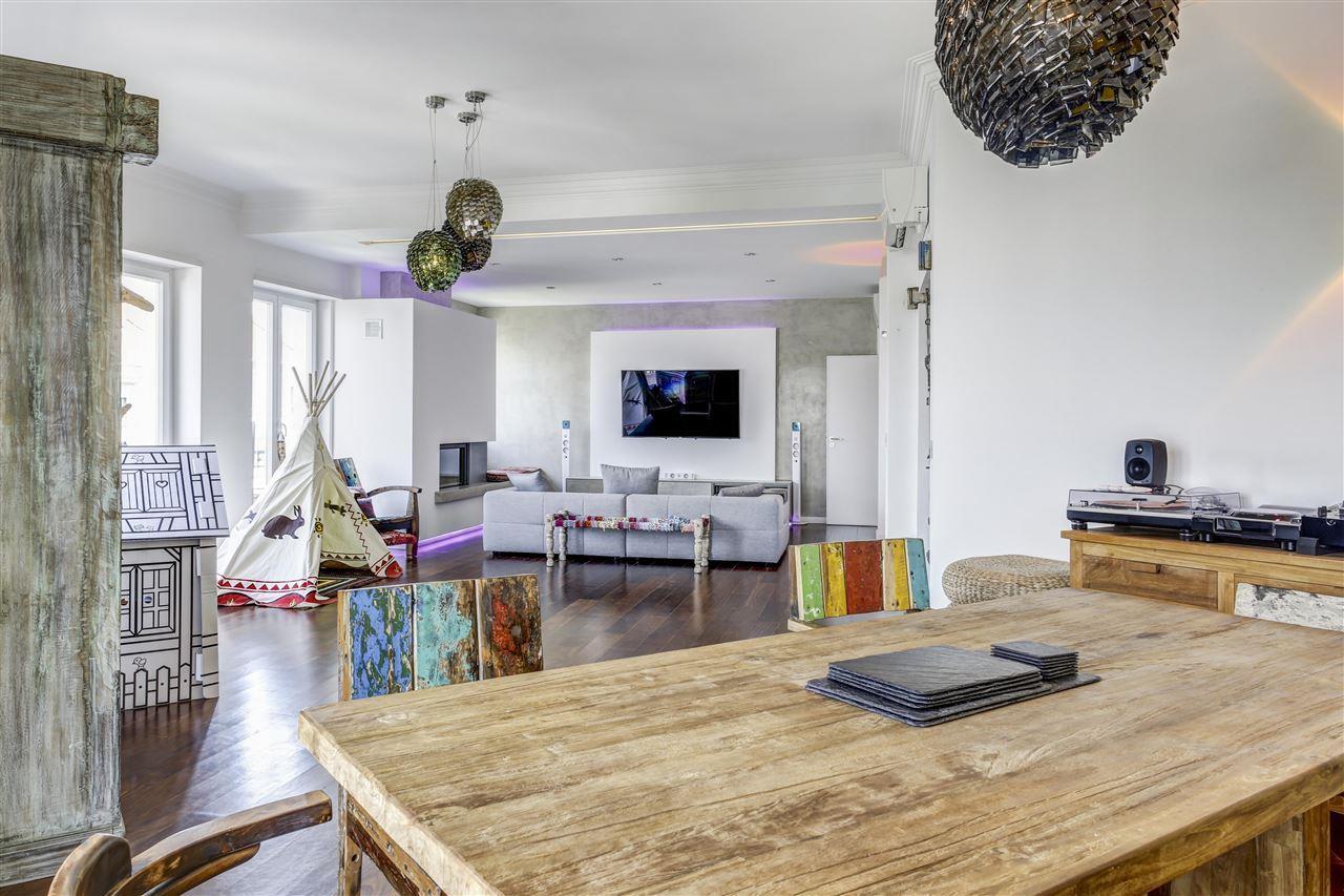Appartement pour l Vente à Flat, 5 bedrooms, for Sale Lisboa, Lisbonne 1000-176 Portugal