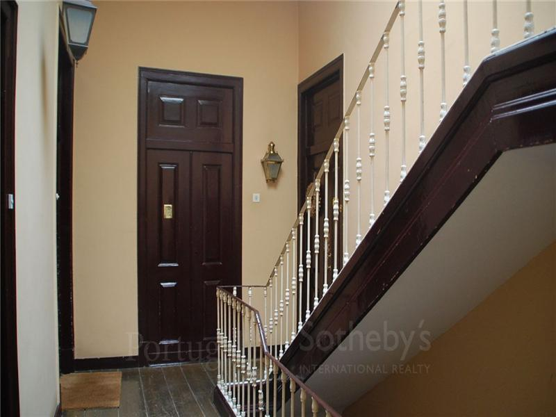 Apartamento para Venda às Flat, 3 bedrooms, for Sale Lisboa, Lisboa 1150-307 Portugal
