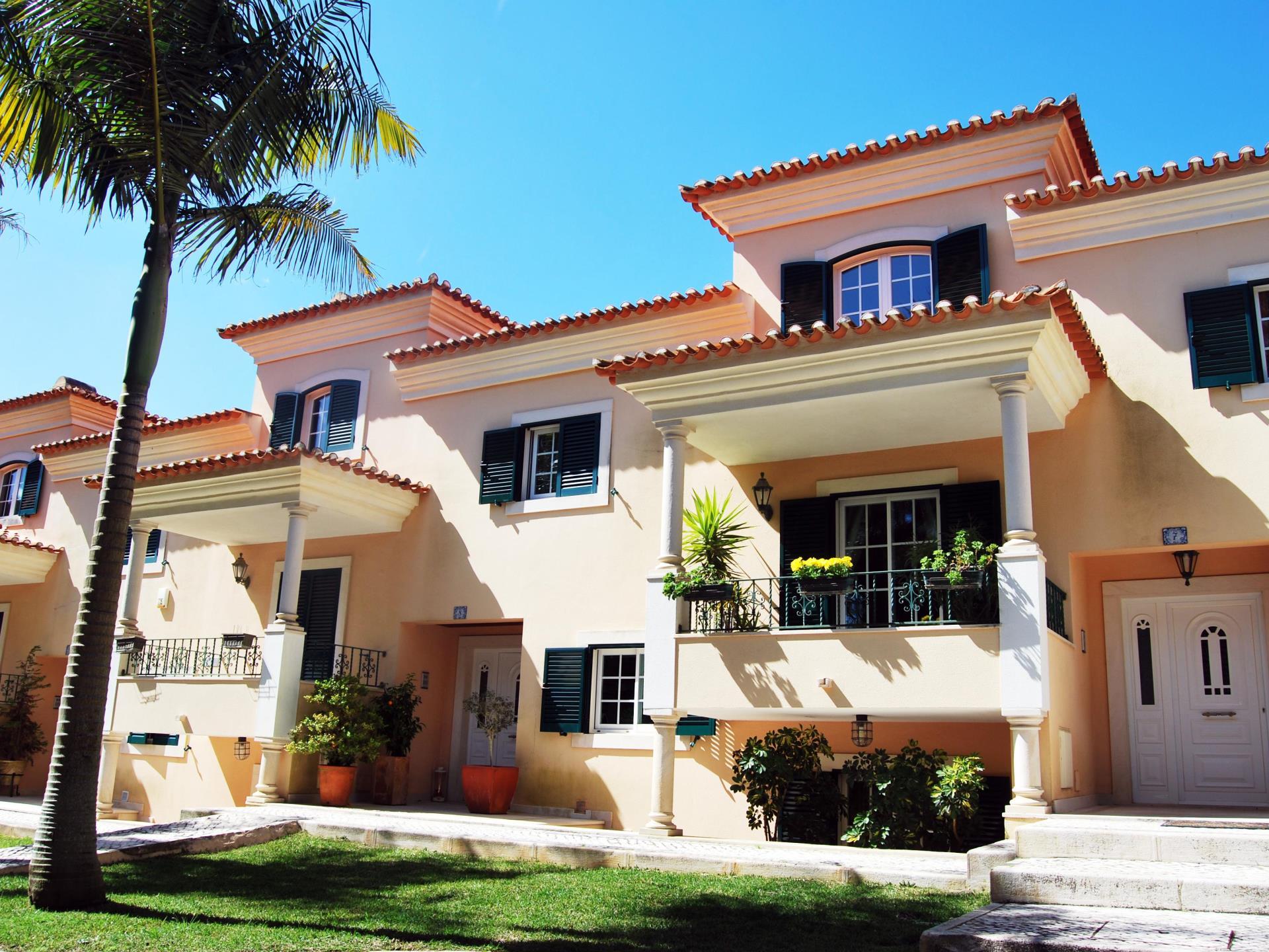 Tek Ailelik Ev için Satış at House, 6 bedrooms, for Sale Birre, Cascais, Lisboa Portekiz
