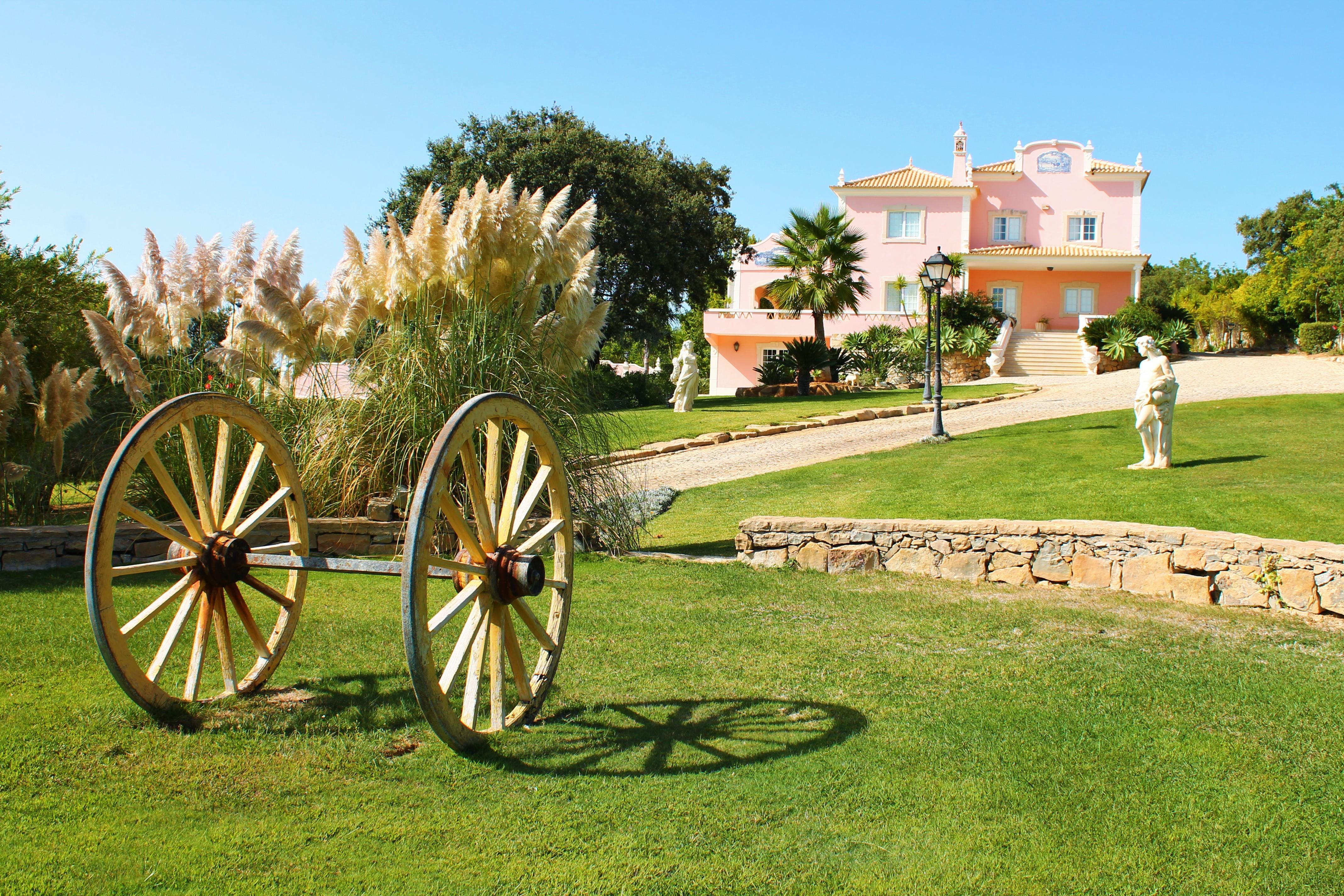 Villa per Vendita alle ore Detached house, 5 bedrooms, for Sale Loule, Algarve - Portogallo