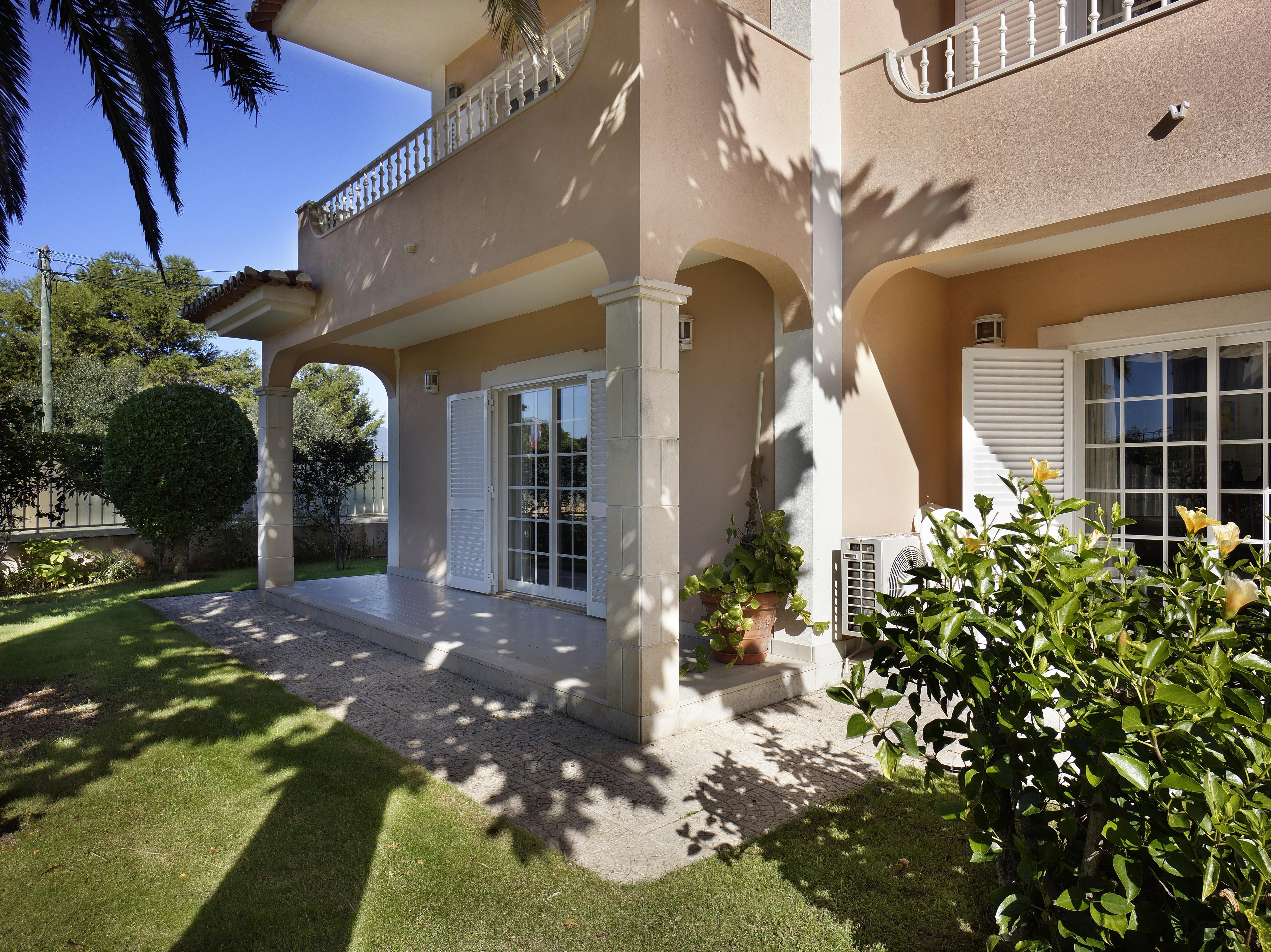 Tek Ailelik Ev için Satış at House, 4 bedrooms, for Sale Cascais, Lisboa, 2750-690 Portekiz