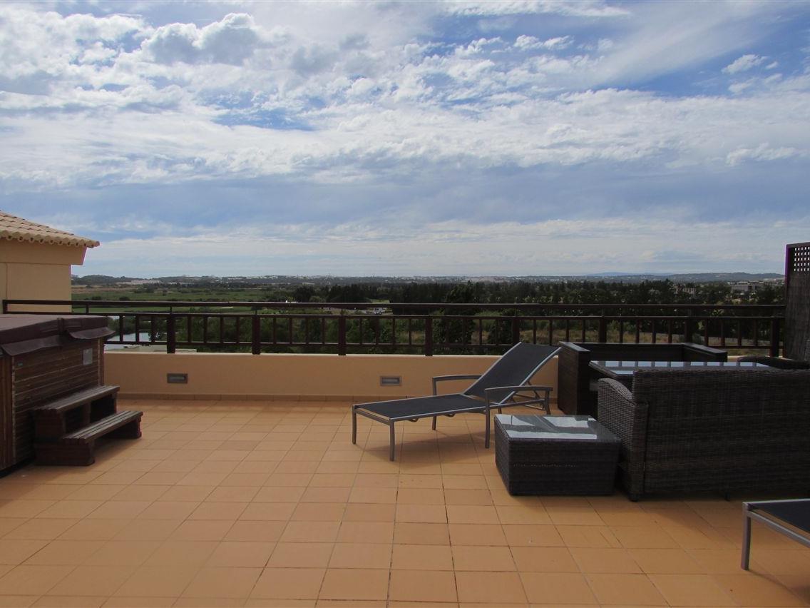 Duplex para Venda às Duplex, 3 bedrooms, for Sale Loule, Algarve Portugal