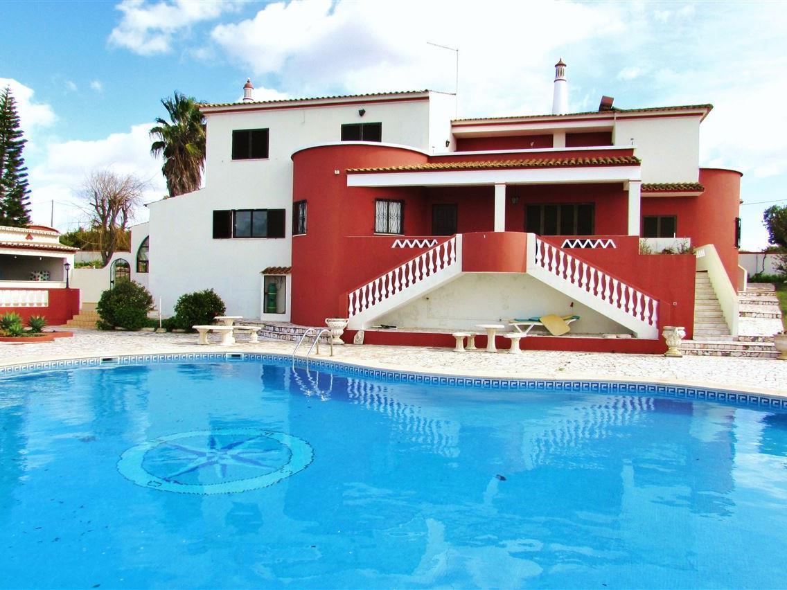 Tek Ailelik Ev için Satış at Detached house, 6 bedrooms, for Sale Silves, Algarve Portekiz