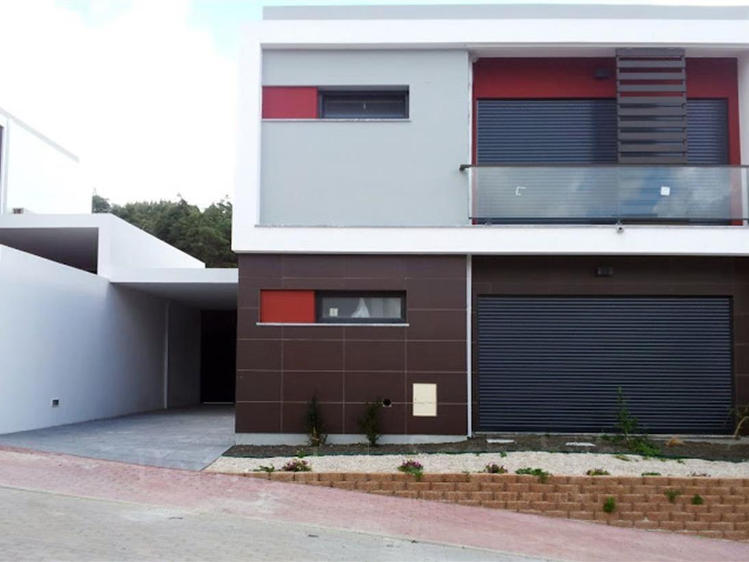 Property For Sale at House, 3 bedrooms, for Sale