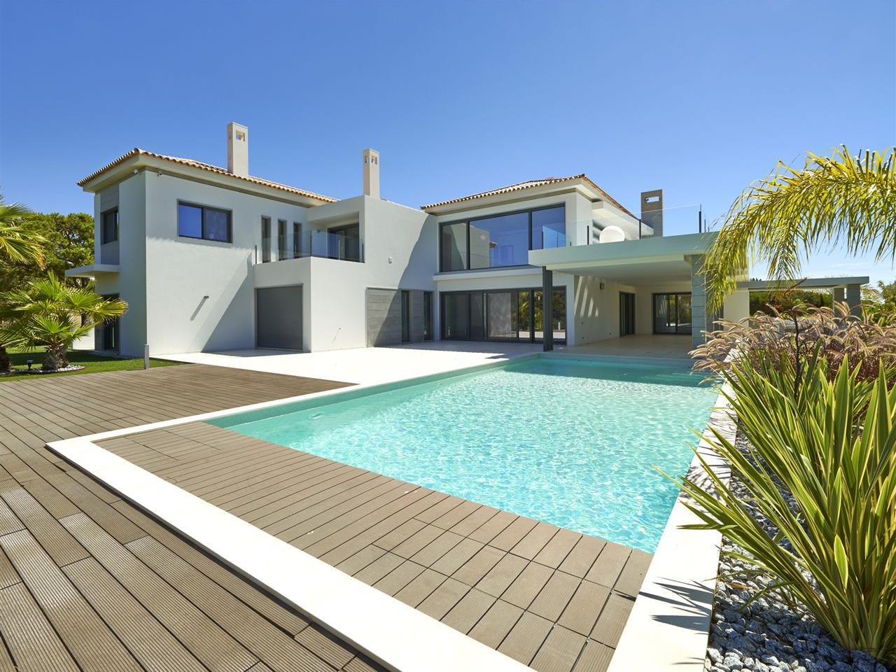 Villa per Vendita alle ore House, 5 bedrooms, for Sale Loule, Algarve Portogallo