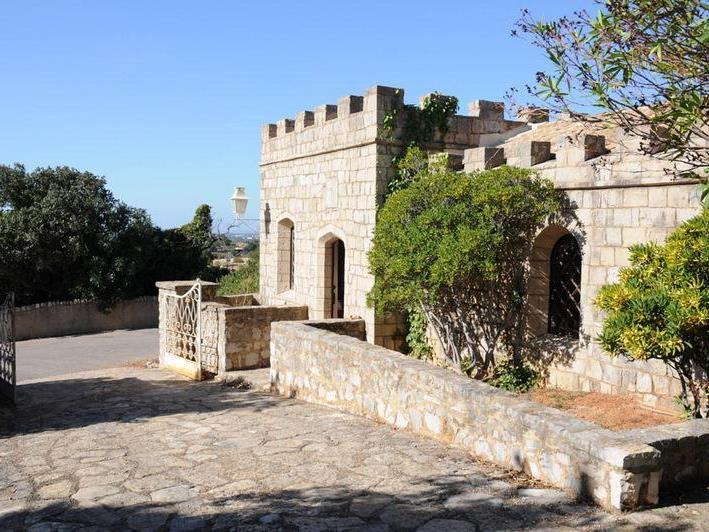 Property Of Country house, 7 bedrooms, for Sale