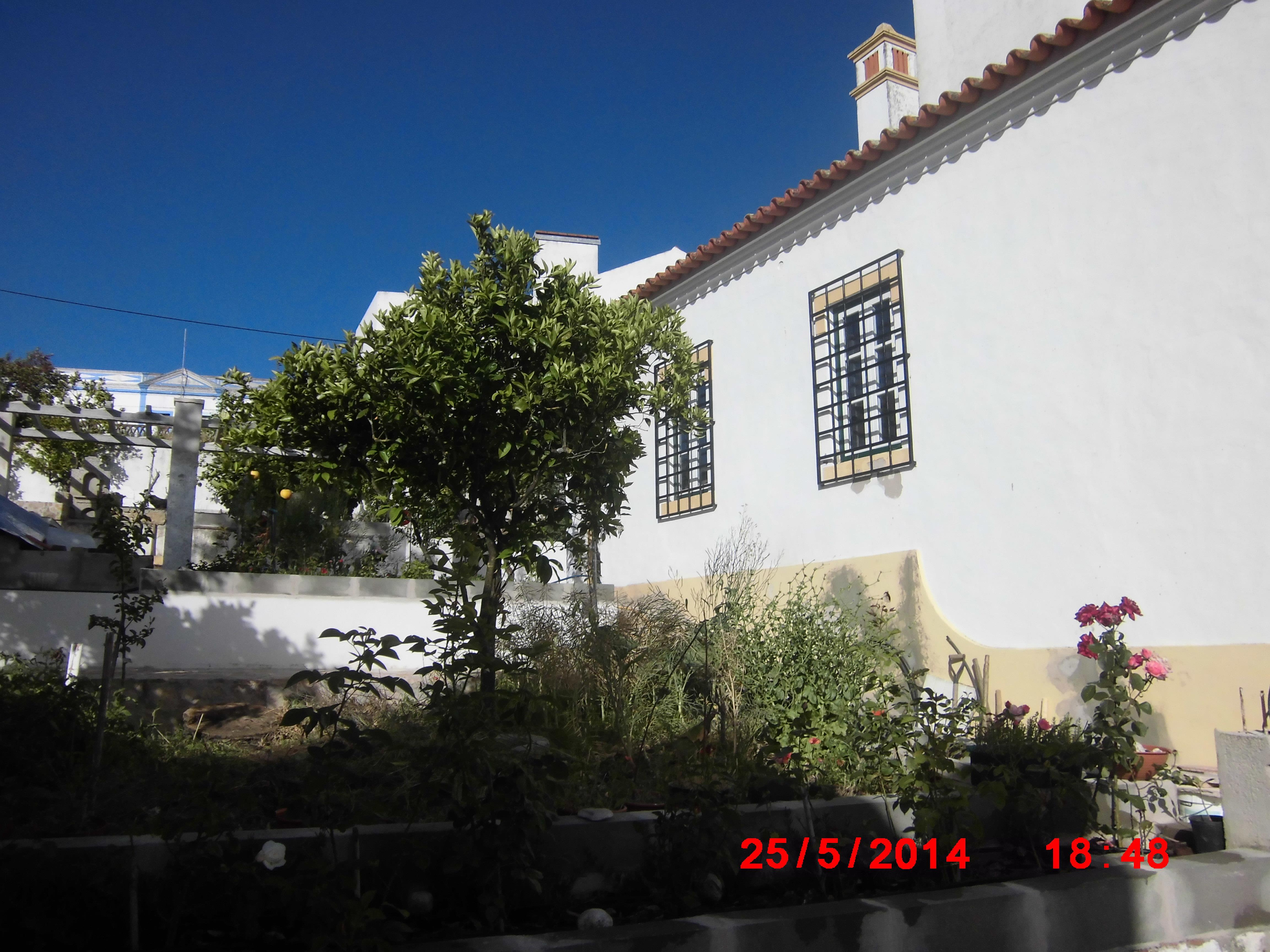 Casa Unifamiliar por un Venta en Apartment Floor Dwelling, 4 bedrooms, for Sale Arraiolos, Evora, 7040-060 Portugal