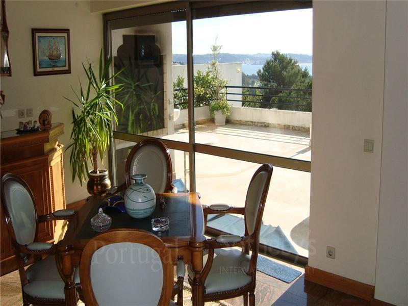 獨棟家庭住宅 為 出售 在 House, 6 bedrooms, for Sale Queijas, Oeiras, 葡京 葡萄牙