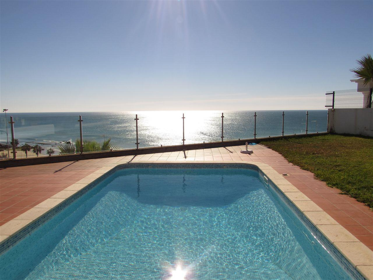 Villa per Vendita alle ore House, 3 bedrooms, for Sale Albufeira, Algarve, 8200-184 Portogallo