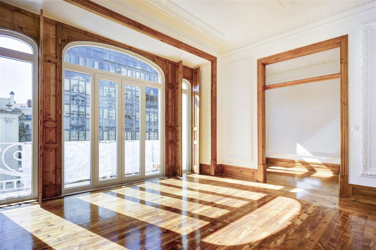 Apartment for Sale at Flat, 5 bedrooms, for Sale Lisboa, Lisboa, 1000-141 Portugal