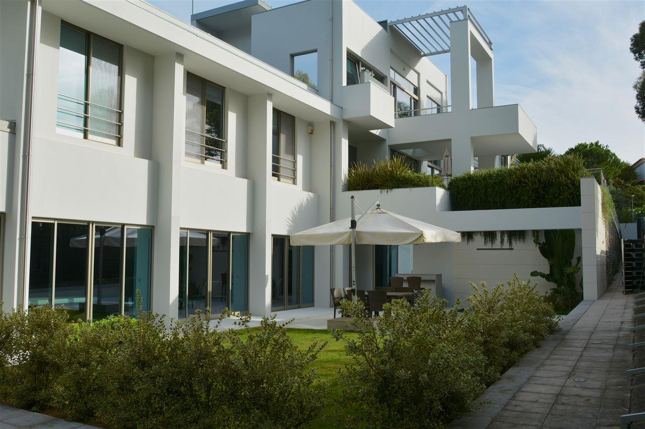 Single Family Home for Sale at House, 5 bedrooms, for Sale Cascais, Lisboa 2645-143 Portugal