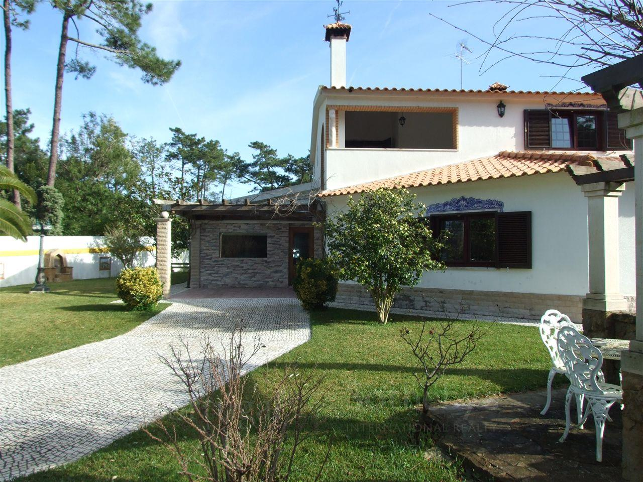 Maison unifamiliale pour l Vente à Detached house, 5 bedrooms, for Sale Sintra, Lisbonne, Portugal