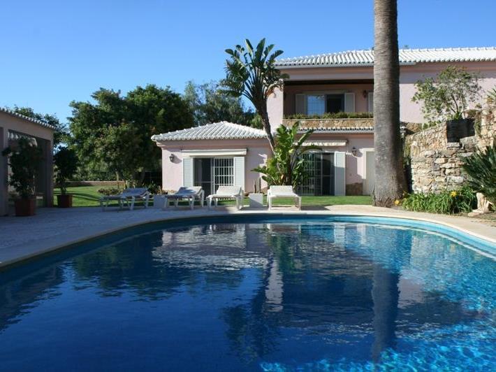 Villa per Vendita alle ore House, 4 bedrooms, for Sale Alcabideche, Cascais, Lisbona Portogallo