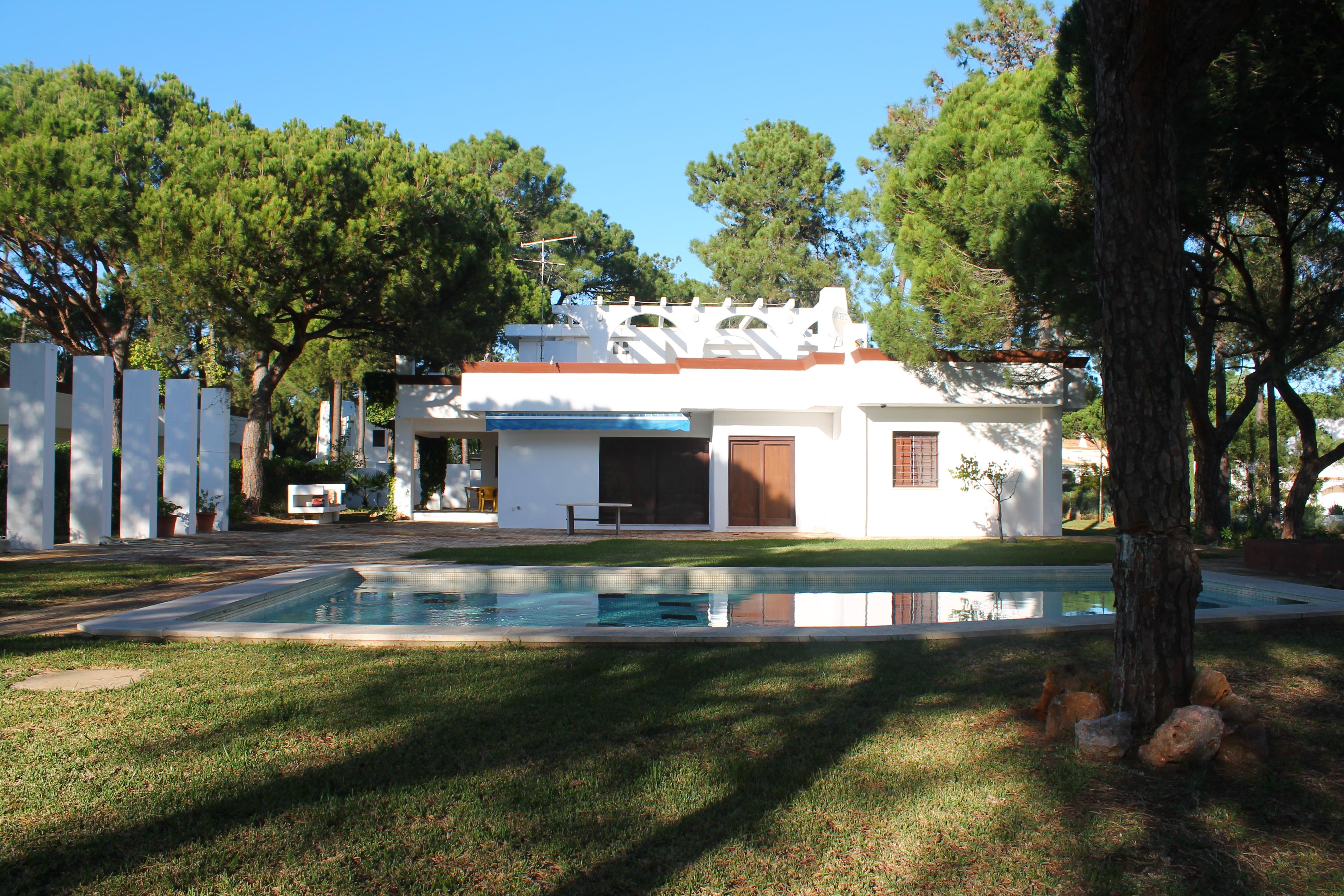 Single Family Home for Sale at House, 6 bedrooms, for Sale Loule, Algarve, 8125-560 Portugal