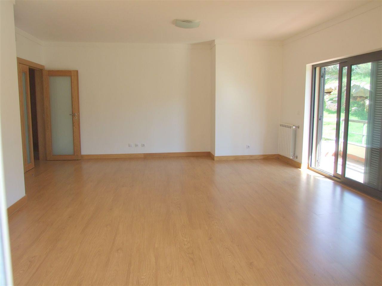 Apartamento por un Venta en Flat, 3 bedrooms, for Sale Cascais, Lisboa Portugal