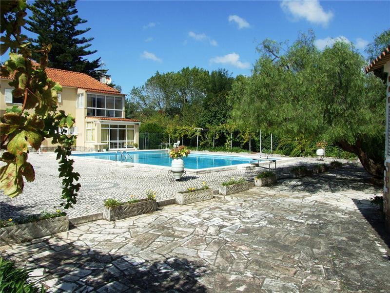 Casa para uma família para Venda às House, 5 bedrooms, for Sale Sintra, Lisboa Portugal