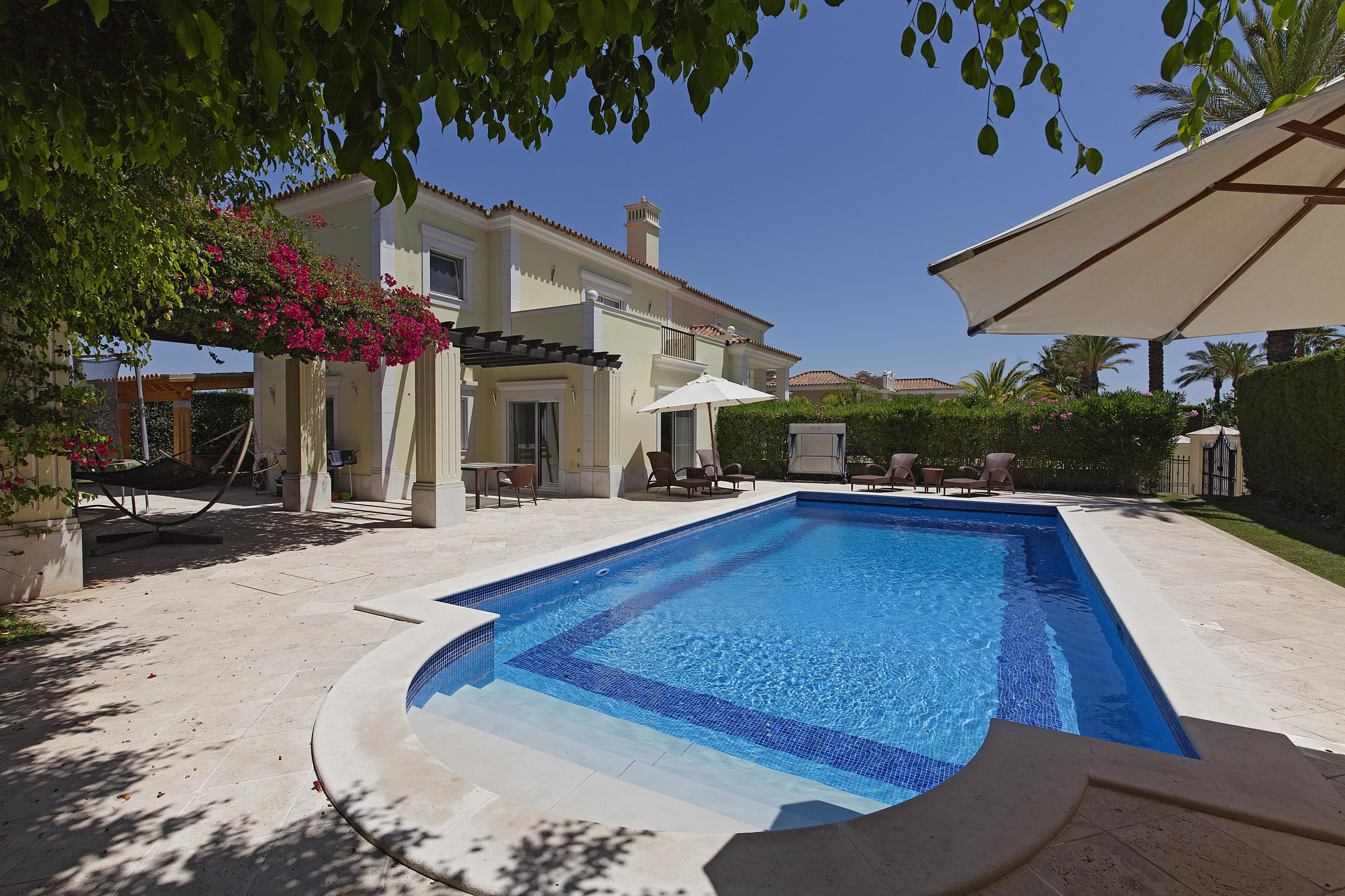Villa per Vendita alle ore Detached house, 4 bedrooms, for Sale Loule, Algarve 8135-172 Portogallo
