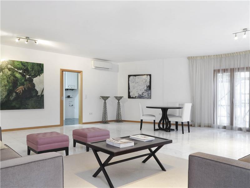 Квартира для того Продажа на Flat, 4 bedrooms, for Sale Lisboa, Лиссабон Португалия
