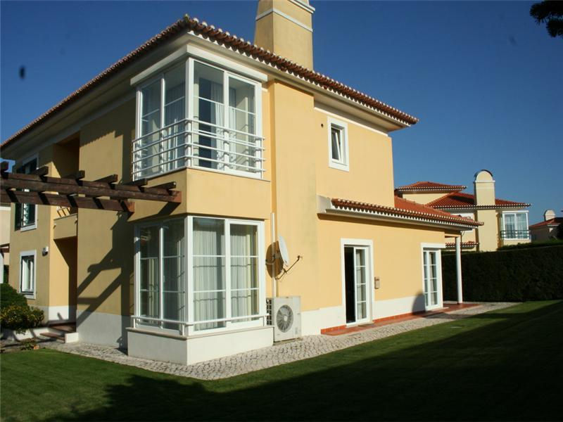 Maison unifamiliale pour l Vente à House, 4 bedrooms, for Sale Sintra, Lisbonne, 2645-103 Portugal