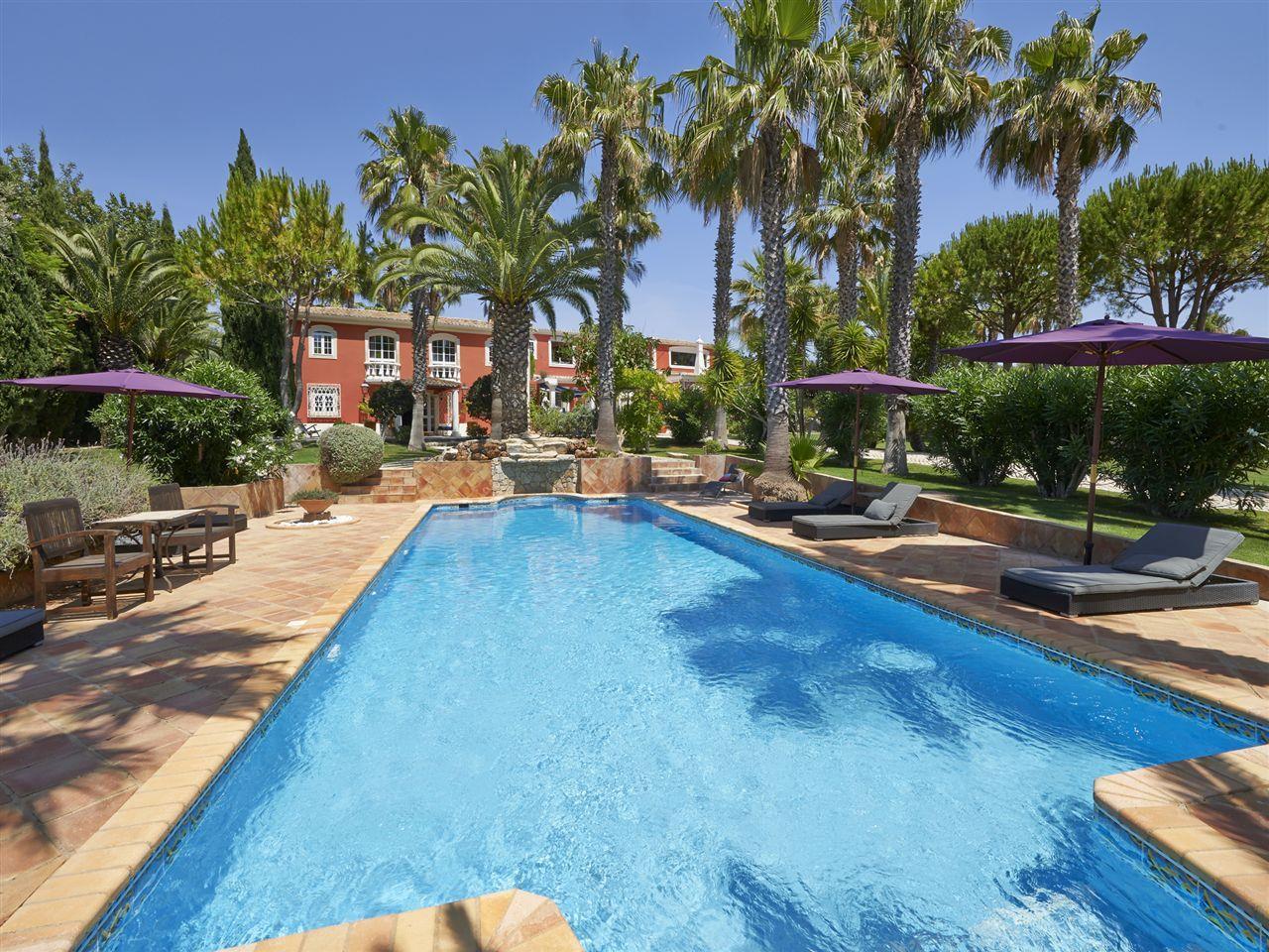 Vivienda unifamiliar por un Venta en House, 5 bedrooms, for Sale Loule, Algarve Portugal