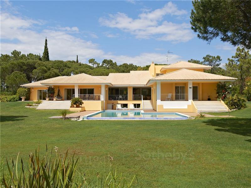 独户住宅 为 销售 在 House, 5 bedrooms, for Sale Loule, Algarve 葡萄牙