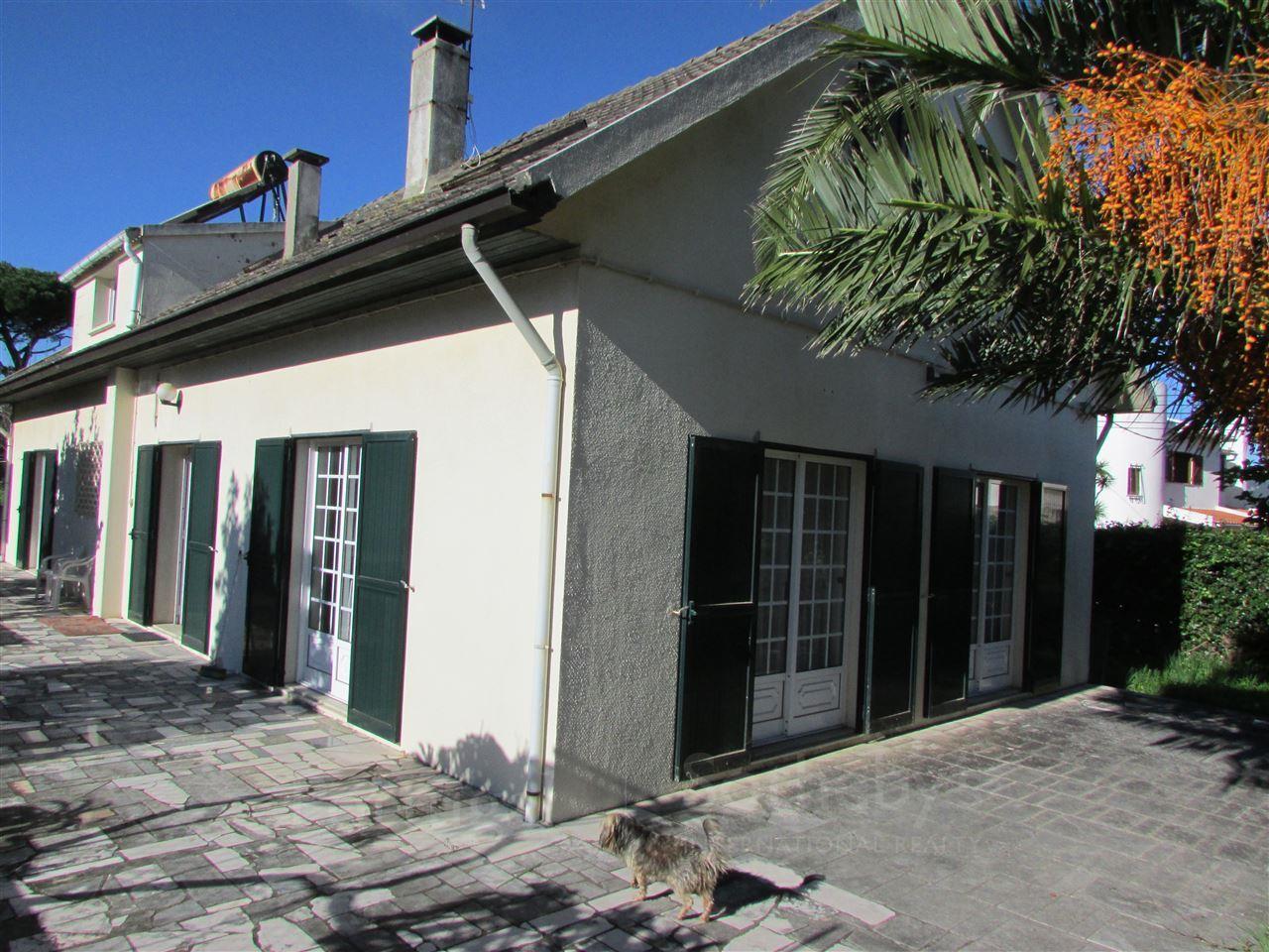 Частный односемейный дом для того Продажа на Detached house, 4 bedrooms, for Sale Bicesse, Cascais, Лиссабон Португалия