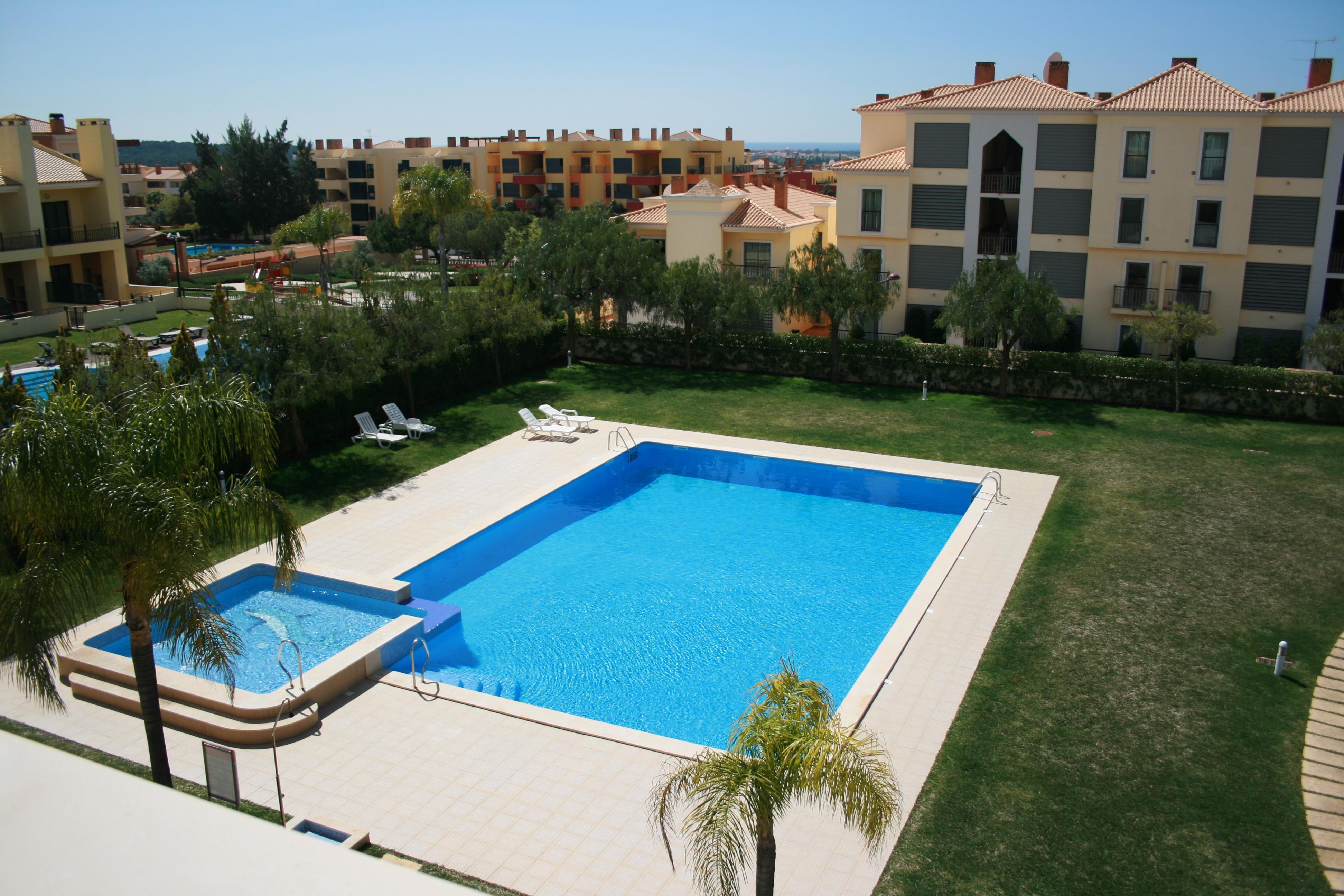 Appartement pour l Vente à Flat, 2 bedrooms, for Sale Loule, Algarve, 8125-449 Portugal