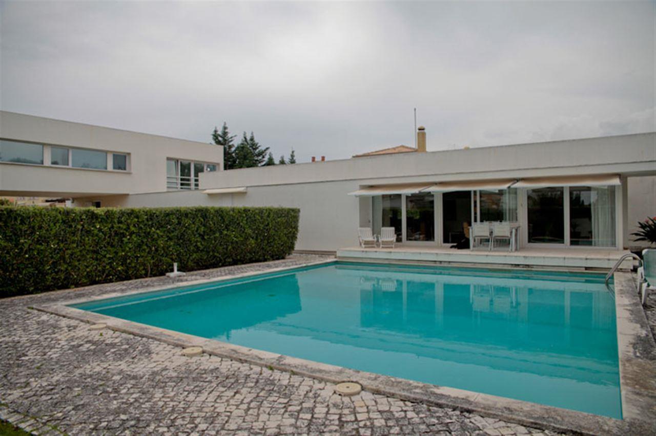 Einfamilienhaus für Verkauf beim House, 4 bedrooms, for Sale Sintra, Lissabon 2710-001 Portugal