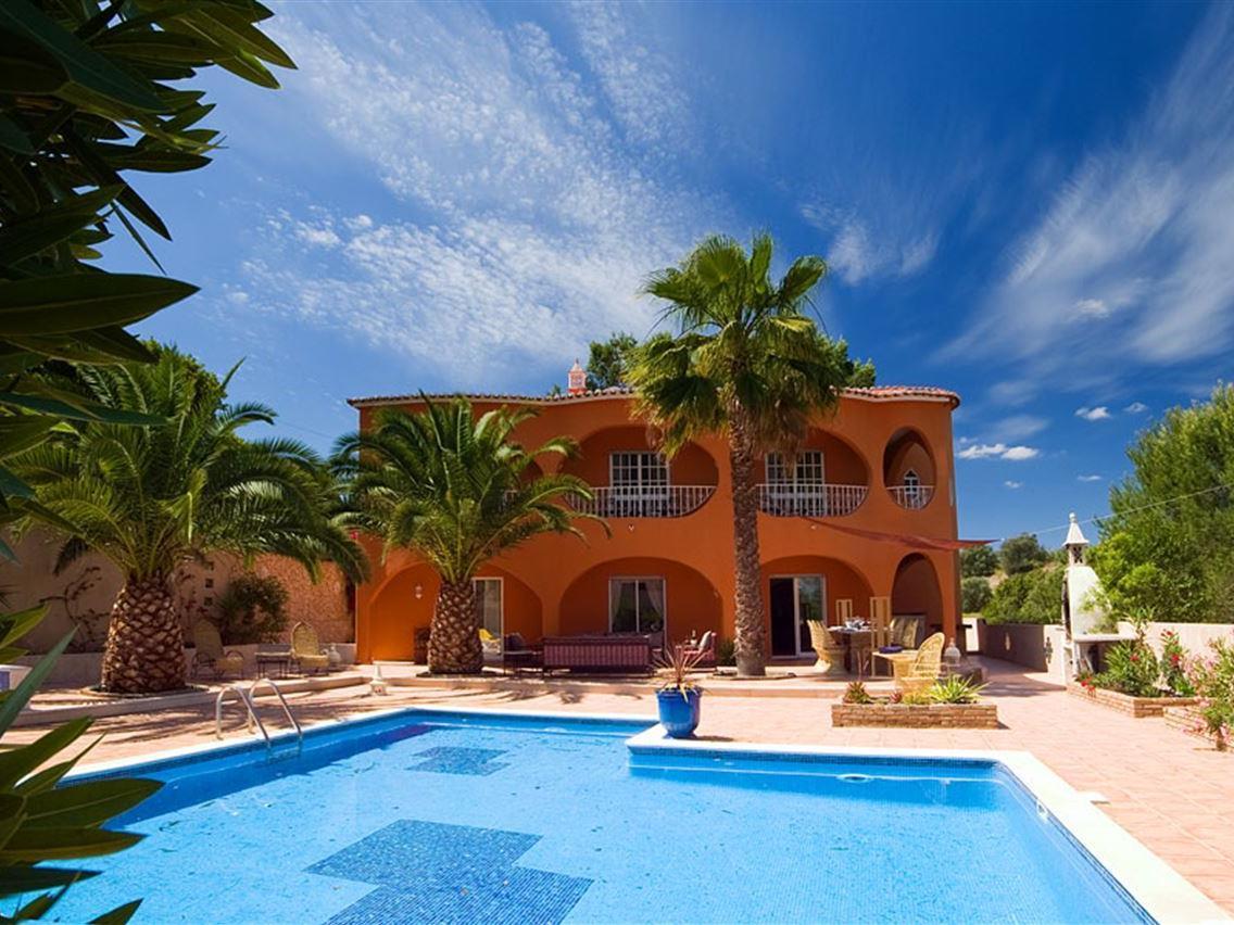 Tek Ailelik Ev için Satış at Detached house, 5 bedrooms, for Sale Silves, Algarve Portekiz